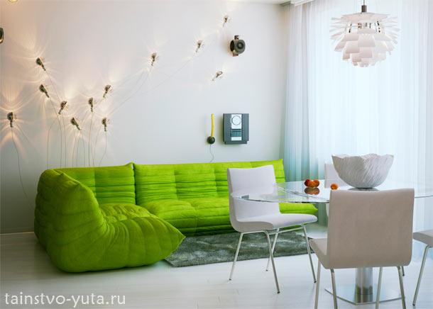 сочетание зеленого и белого в интерьере