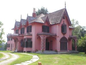 10-doma-v-goticheskom-stile