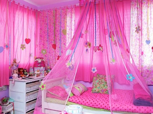 Выбирая шторы в детскую комнату нужно